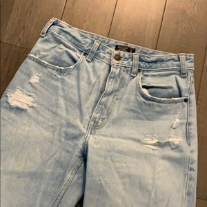 Abercrombie & Fitch-Wide Leg Crop Jean